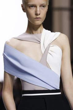 Haider Ackermann Spring 2018 Ready-to-Wear Collection Photos - Vogue #fashionshow,