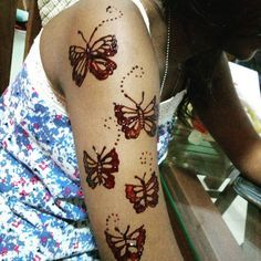 Butterflies.... #maroonhenna #maroon #mehendisrilanka #mehendibymizra #mehendi #butterflyhenna #butterfly #butterflies #butterflytattoo #maroonbutterfly #hennacravings #hennadesign #hennatattoo #hennaart #hennaartist #srilankasouvenir #srilanka #srilankamehendiartist #armhenna #armtattoo #followback #follow #girlfun