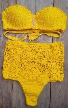 VCCROCHE BY VÂNIA CALMON Crochet Bikini Top, Crochet Blouse, Knit Crochet, Bikini Inspiration, Crochet Bathing Suits, Battle Jacket, Boho Style Dresses, Crochet Magazine, Swimsuits