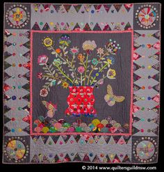 Fantasy Flowers by Carolyn Jones. Judge's Choice award by Kim McLean. Wool Quilts, Scrappy Quilts, Mini Quilts, Applique Quilts, Bear Paw Quilt, Carolyn Jones, Medallion Quilt, Flower Quilts, Quilt Border