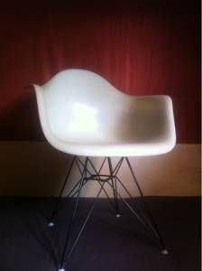Mid-century Eames armshell chair
