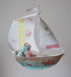 Cute boat- Photo by Ann Wood Boat Crafts, Diy And Crafts, Crafts For Kids, Arts And Crafts, Paper Crafts, Paper Mache Projects, Art Projects, Ann Wood, Boat Art