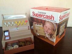 Toy cash register or till, retro toy, aimed mainly at girls - I had one of those, my daughter too! 1980s Childhood, Childhood Games, My Childhood Memories, Sweet Memories, 1980s Toys, Retro Toys, Vintage Toys, Baby Girl Toys, Toys For Girls