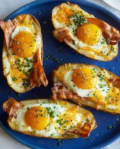 Twice Baked Breakfast Potatoes w/ Eggs & Bacon are about to make you the hit of your next brunch.😋 😋
