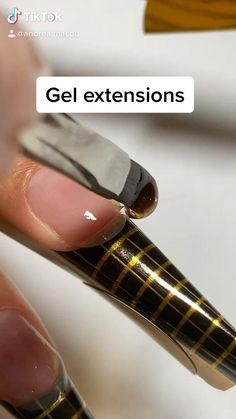How to do sculpted gel extensions without tips! Acrylic Nails At Home, Acrylic Nail Tips, Gel Nail Tips, Nail Art Designs Videos, Nail Designs, Sculpted Gel Nails, Builder Gel Nails, Nail Techniques, Nagellack Design