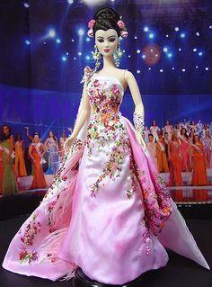 OOAK barbie pageant dolls by NiniMomo Creations Barbie Miss, Barbie And Ken, Barbie House, Origami Vestidos, Moda China, Barbie Blog, Little Doll, Barbie Collector, Barbie World