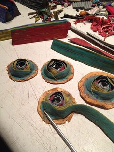 David Forlano posted pix of Steve's work in process. Found on Ford/Forlano Art… Fimo Polymer Clay, Polymer Clay Necklace, Polymer Clay Projects, Polymer Clay Creations, Clay Crafts, Precious Metal Clay, Clay Design, Clay Tutorials, Cold Porcelain