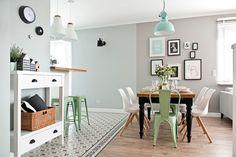 Cocina en gris y menta   Azulejo HIdráulico Gilbert Gris y Calvet Gris   Vives Azulejos y Gres   estilo nórdico
