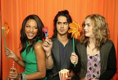 I love this picture. Kylie Bunbury (Lacey Porter) Avan Jogia (Danny Desai) Maddie Hasson (Jo Masterson) #twisted @GARY YANG Family #socio