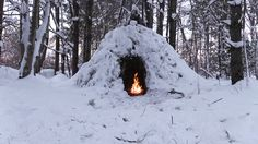 Winter Bushcraft Camp Building - Wikiup, Axe, Knife, Storm