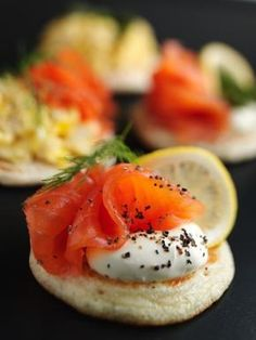 The Dukan Diet just got better: Now you can eat gourmet food AND stay slim Dukan Diet Recipes, Gourmet Recipes, Appetizer Recipes, Salmon Appetizer, Tapas, Blinis Recipes, Vol Au Vent, Fingerfood Party, Snacks