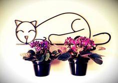 PORTA VASOS Wire Crafts, Metal Crafts, Scrap Metal Art, Metal Wall Art, Wire Art Sculpture, Garden Shelves, Wrought Iron Decor, Metal Art Projects, Inside Plants