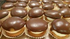 Tα... κοκάκια είναι από τα γλυκά τα οποία αρέσουν σε ποσοστό 95% στην Ελλάδα. Mπορούμε πολύ εύκολα να τα βρούμε σε ζαχαροπλαστεία αλλά ό... Greek Sweets, Greek Desserts, Party Desserts, Greek Recipes, Canning Recipes, Candy Recipes, Cookie Recipes, Dessert Recipes, Greek Cake