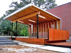 This outdoor classroom at Washington Elementary School in Fayetteville, a design-build project of the Fay Jones School of Architecture, exposed students to the act of construction as a fundamental component of critical design practice. Outdoor Stage, Outdoor Theater, Indoor Outdoor, Outdoor Living, Outdoor Rooms, Outdoor Pavillion, Kids Indoor Playground, Playground Ideas, Outdoor Learning Spaces