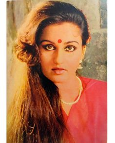Throw back photo Reena Roy Bollywood Cinema, Bollywood Photos, Bollywood Stars, Bollywood Actress, Indian Long Hair Braid, Braids For Long Hair, Roy Khan, Reena Roy, The Big Red One