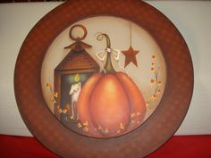 Maxine Thomas project by me Painted Plates, Painted Books, Painted Pumpkins, Hand Painted, Wooden Plates, Autumn Painting, Autumn Art, Tole Painting, Arte Country