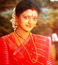 Bhanupriya Vintage Bollywood, Beautiful Bollywood Actress, Beauty Full Girl, Bollywood Stars, Indian Beauty, Character Design, Saree, Actresses, Clothes For Women