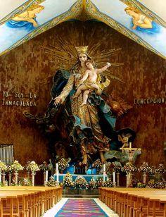 Virgen de la inmaculada consepcion. en chignahuapan Puebla está considerada la más grande de latinoamerica bajo techo