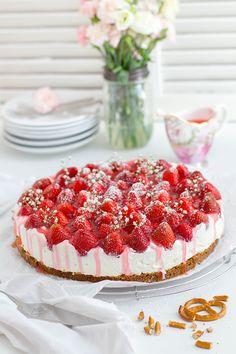 Erdbeer Brezel Torte_Main