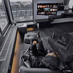 34 Fun Video Game Rooms For The Beginners 34 Fun Video Game Rooms For The Begin. 34 Fun Video Game Rooms For The Beginners 34 Fun Video Game Rooms For The Beginners Home Office Setup, Home Office Design, Interior Design Living Room, Living Room Designs, Bureau Design, Design Desk, Furniture Design, Deco Design, Gaming Room Setup