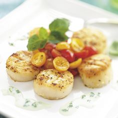 Seared Scallops with Basil Sauce - The Pampered Chef®