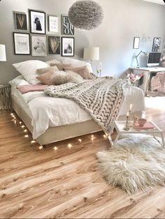Girl Bedroom Designs, Room Ideas Bedroom, Home Decor Bedroom, Girls Bedroom, Rustic Teen Bedroom, Bedroom Wall, Master Bedroom, Silver Bedroom, Teenage Girl Bedrooms