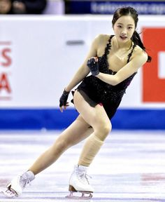 羽生、紀平が首位発進 GPスケートカナダ開幕 - 産経ニュース Gymnastics Outfits, Cheerleading Outfits, Pose Reference Photo, Figure Skating Dresses, Sporty Girls, Female Poses, Athletic Women, Female Athletes, Japanese Girl