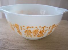 So rare to find!! pyrex yellow butterprint - FOUND ! Ebay.