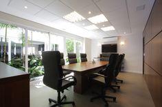 Sala de runiões na sede da Rokrisa Engenharia em Curitiba - PR