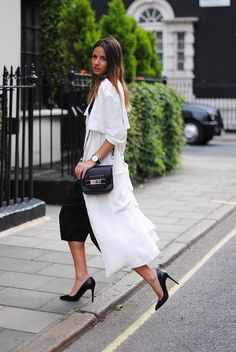 stepping out in style with that white flowy number. Chic Outfits, Fashion Outfits, Womens Fashion, Fashion Ideas, Fashion Beauty, Casual Chic, Comfy Casual, Street Style Women, Street Styles