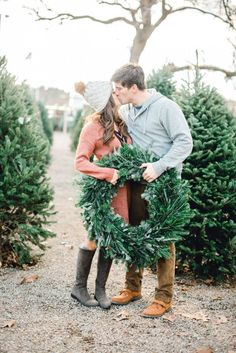 Christmas Tree Farm Engagement Photos All you really need to create holiday magic is a winter beanie, evergreens and your sweetie to cozy up to! Family Christmas Pictures, Christmas Couple, Christmas Tree Farm, Christmas Minis, Family Farm Photos, Family Holiday, Holiday Photos, Christmas Ideas, Farm Engagement Photos