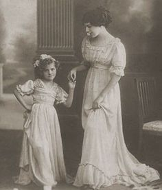 1910s tea dress or house dress with child