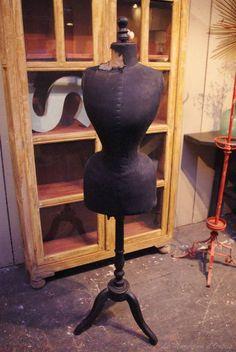Le Marchand d'Oublis : Catalog | Ancien mannequin de couture