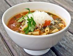 Sopa Minestrone, encuentra la receta aquí... http://www.1001consejos.com/sopa-minestrone/