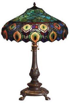 Tiffany-Style Peacock Table Lamp #PeacockSerendipity #peacock