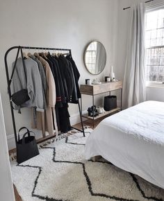 50 minimalist bedrooms with cheap furniture that you can reach 48 Room Decor Bedroom Bedrooms Cheap Furniture minimalist reach Room Ideas Bedroom, Bedroom Inspo, Home Bedroom, Bedroom Apartment, Bedroom Inspiration Cozy, Bedroom Mirrors, Bedroom Table, Furniture Inspiration, Bedroom Sets