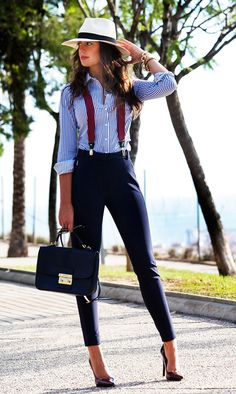 I love the elements of vintage and menswear in this outfit! I love pinstripes, especially on button ups. I normally don't like business pants but this outfit makes them look so much less stuffy and much more stylish! Illustration Mode, Inspiration Mode, Mode Outfits, Work Attire, Sexy Work Outfit, Mode Style, Street Fashion, Menswear, Vogue