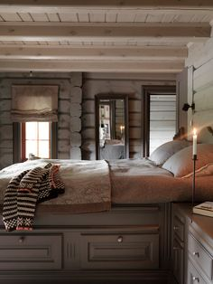 Fantastic Rustic Cabin Bedroom Decorating Ideas - All About Decoration Log Home Decorating, Decorating Small Spaces, Decorating Ideas, Decor Ideas, Cabin Interiors, Rustic Interiors, Wood Bedroom, Bedroom Decor, Decoration Gris