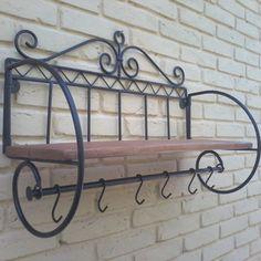 Diy Welding, Iron Decor, Garden Features, Home Decor Kitchen, Wrought Iron, Metal Art, Clothes Hanger, Living Room Designs, Decoration