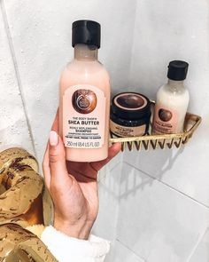 The Body Shop, Body Shop At Home, Shampooing Sans Sulfate, Body Shop Skincare, Beauty Haven, Chloe Perfume, Beauty Treats, Hair Repair, Bridal Hair
