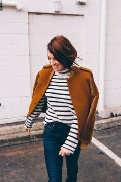 great outfit inspiration - simple stripes and a structured jacket