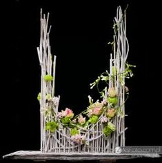 Flower arrangement Orchid Flower Arrangements, Modern Floral Arrangements, Flower Arrangement Designs, Altar Flowers, Church Flower Arrangements, Ikebana Arrangements, Flower Centerpieces, Flower Designs, Giant Flowers