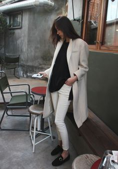 White coat #style #fashion #details #streetstyle
