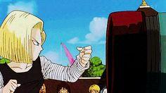 """Végéta... Aucune délicatesse. On lui dit """"c'est fragile, fait attention"""" et lui il ne pense qu'à dépasser le score de Goku..."""