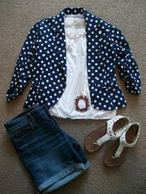 2 Patriotic Outfits for July 4th. Two super unique and cute patriotic outfits perfect for any Independence Day shindig.