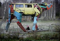Transformers, first sighting, LOL! Seriously Cool, Cow Sculpture, made from recycled car parts by Miina Äkkijyrkkä Animal Sculptures, Sculpture Art, Metal Sculptures, Transformers, Vw Minibus, Car Part Art, Found Object Art, Junk Art, Recycled Art