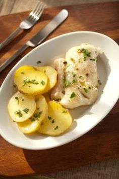 - Hake meuniere with steamed potatoes