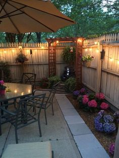 Astounding outdoor patio ideas seating areas # backyard Gardening 45 Backyard Patio Ideas That Will Amaze & Inspire You - Pictures of Patios Backyard Seating, Backyard Patio Designs, Small Backyard Landscaping, Backyard Projects, Diy Patio, Fenced In Backyard Ideas, Landscaping Design, Patio Fence, Budget Patio