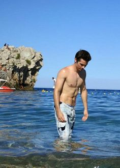 Dylan O'Brien on his vacation in Italy! Not too many pictures of him shirtless so you know I had to post this one when I found it!! lol your welcome ;)