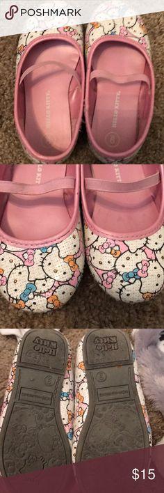 VGUC Hello Kitty girl Shoes VGUC Hello kitty Shoes Dress Shoes